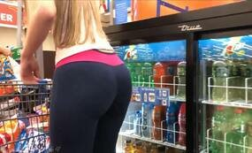 Young mom hot ass leggings