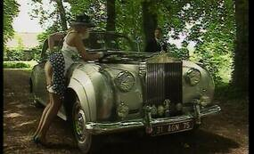 Blonde Lady fucking by the car - vintage sex video