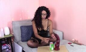 Ebony girl dildo unboxing